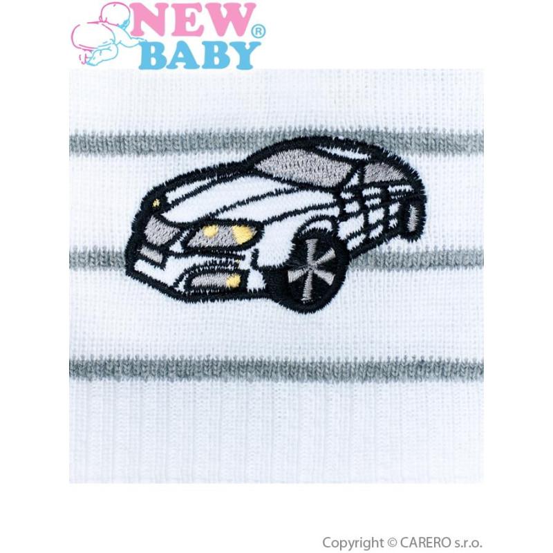 Čepička s autíčkem